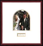 Our online wedding picture frame store offers custom wedding picture frames, signature frames and unique picture frame with personalization. Why buy a signature wedding album when you are going to store it away after your wedding. Frame your wedding picture with our beautiful signature wedding frames.